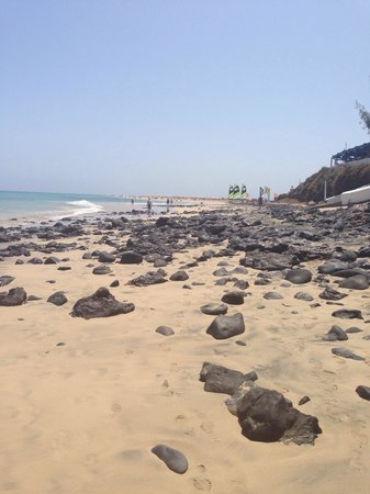 TUI MAGIC LIFE Fuerteventura: The beach is rocky until the tide goes out after 4pm It is stunning