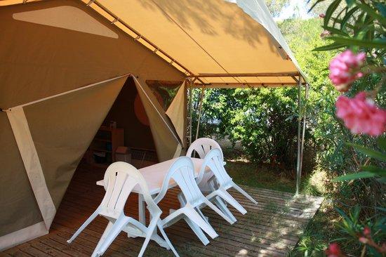 Camping municipal Castelsec: Lodge toilé