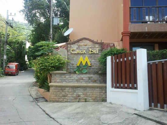 Casa Del M, Patong Beach: entrance to the hotel