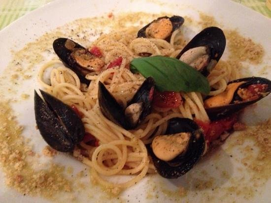 L' Osteria : Pasta with fresh mussels