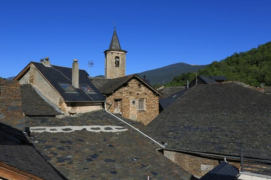 Roch Hotel : View of village roofscape from bedroom