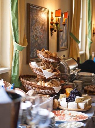 Altstadthotel Kasererbraeu: Breakfast 06.30-10.30