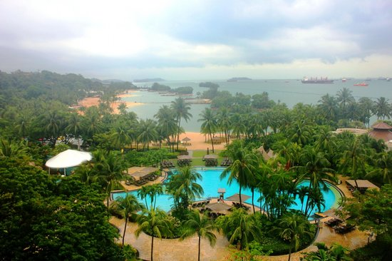 Shangri-La's Rasa Sentosa Resort & Spa: Awesome view from 9th floor Sea View Room!!!