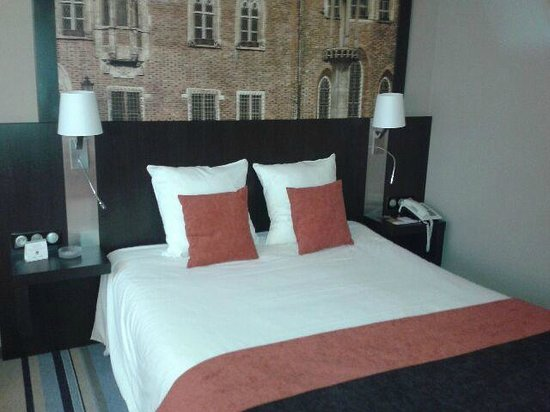 Mercure Wroclaw Centrum: łóżko