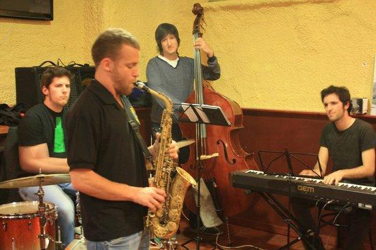 Taverna la Fornal: Trio de jazz