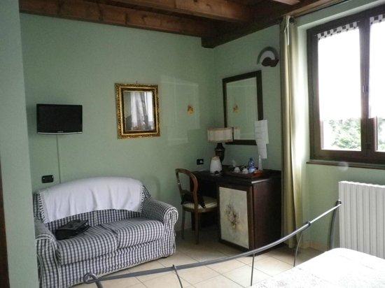 Casa Del Poggio Solivo: camera con zona x il te