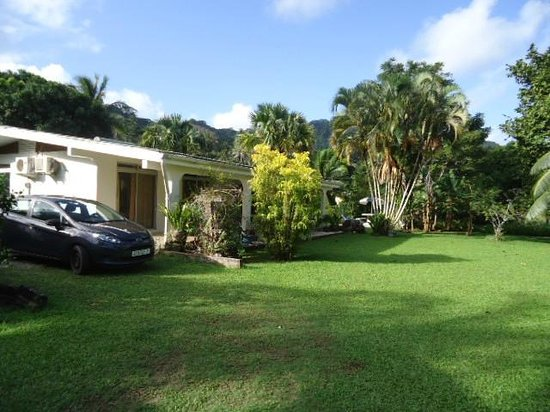 Villas bougainville desde s 593 huahine polinesia for Villas francesas