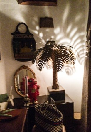 Elizir: Palm tree lamp from the eclectic collection of stuff