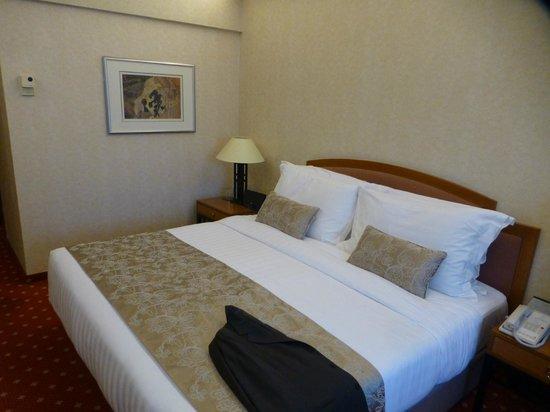 Kempinski Hotel Beijing Lufthansa Center: Bett