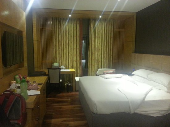 Ramada Alleppey: Room with lights on