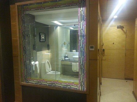 Ramada Alleppey : Bathroom