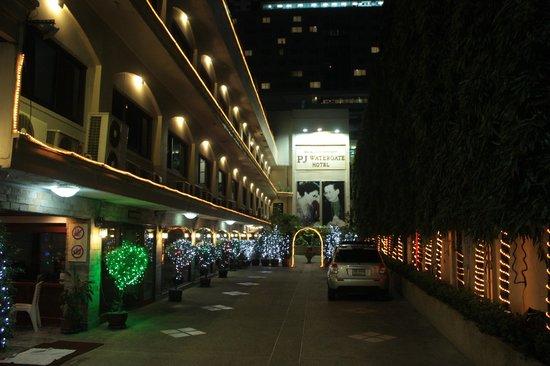 PJ Watergate Hotel: Внутренний дворик отеля