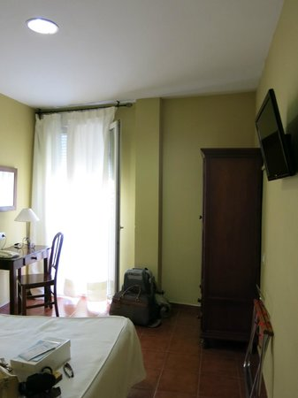 Hostal La Andaluza: habitacion