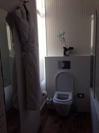 Hôtel Bradford Elysées - Astotel : Bathroom room 26