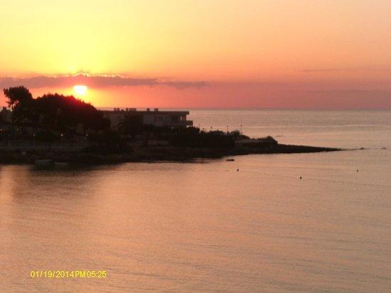Es Cana Playa Apartments: Amazing sunrises & sunsets!