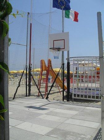Stella Beach 77 - 78: Campo Basket