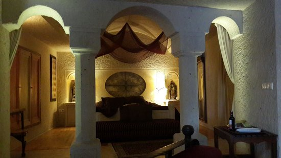 Anatolian Houses: Room from suite