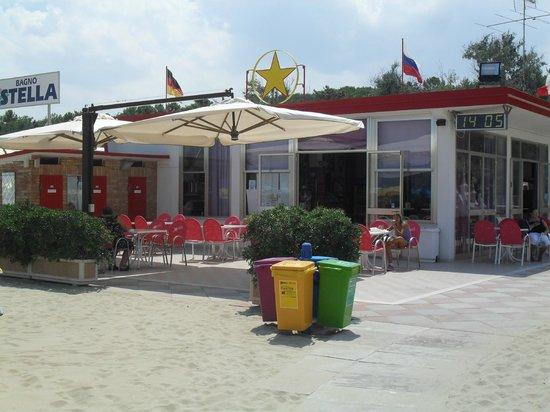 Stella Beach 77 - 78: Tavolini Bar lato mare