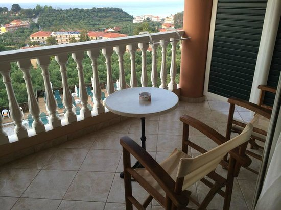 Ariadne Hotel Apartments : our balcony