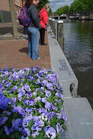 Amsterdam in World War II Walking Tour: The Shadow Wall