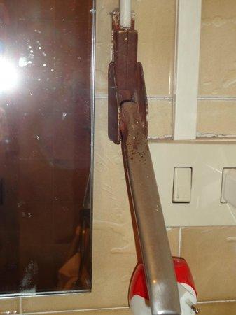Hotel Ritz : maniglia finestra bagno