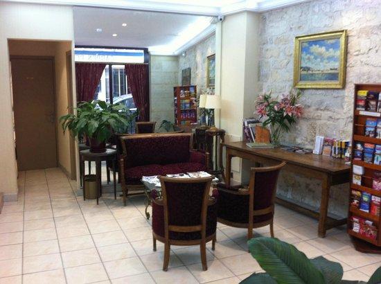 Hotel Cujas Pantheon: Coin détente rez-de-chausée