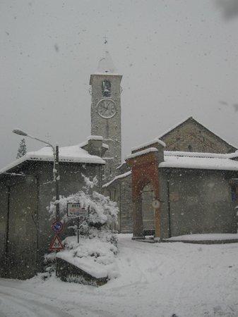 Santuario SS. Pieta: Baveno, 2006, il Centro Monumentale sotto la neve