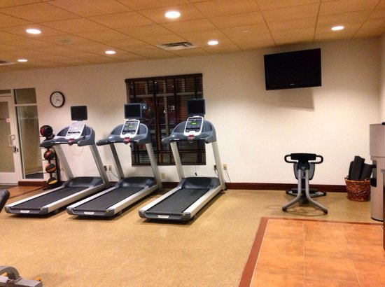 Hilton Garden Inn Yuma Pivot Point: Fitness Center - Cardio side