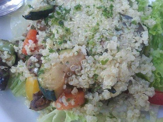 La Tia Rica: Ensalada con verduras y quinua