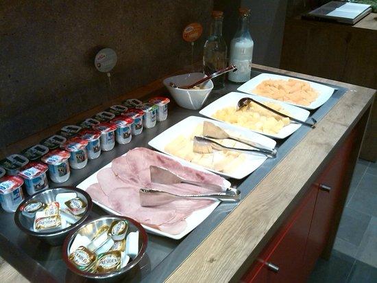 Ibis Paris Gare du Nord: breakfast