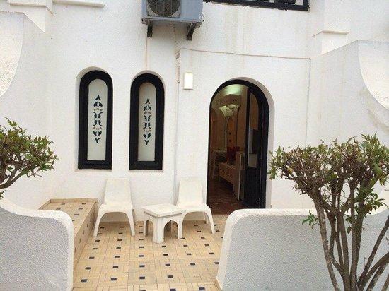 Les Omayades Hotel: Уютный балкончик)