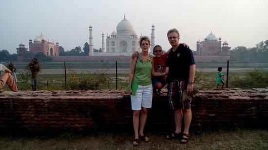 India Agra Travels - Day Tours: Mehtab garden view