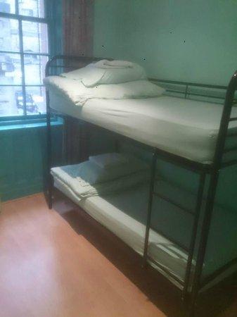 Cowgate Tourist Hostel: Dorm beds