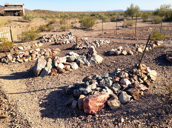 Castle Dome Mines Museum & Ghost Town : Small cemetery