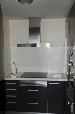 Suites Center Barcelona: キッチン