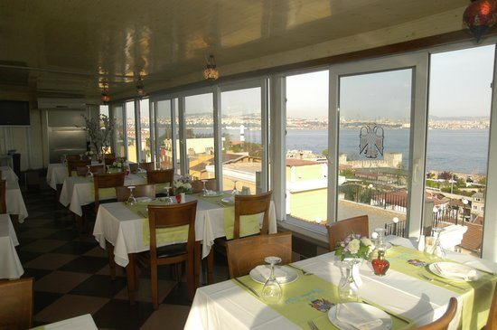 The Byzantium Hotel & Suites: terrace Restaurant