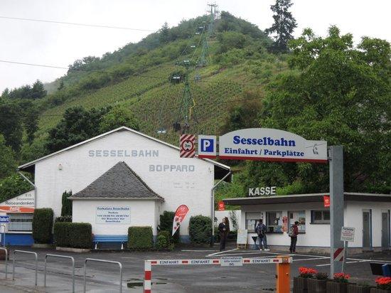 Sesselbahn in Boppard: 展望台へのリフト乗り場