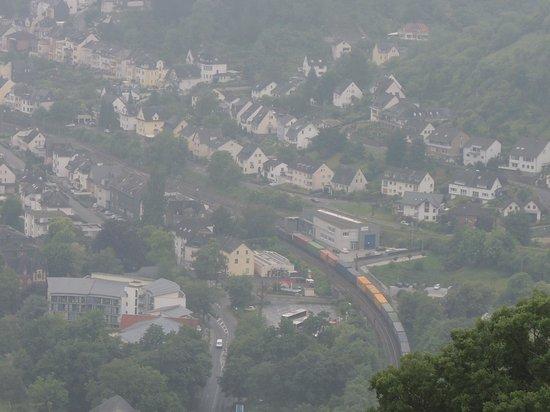 Sesselbahn in Boppard: ボッパルトの町が小さく見える