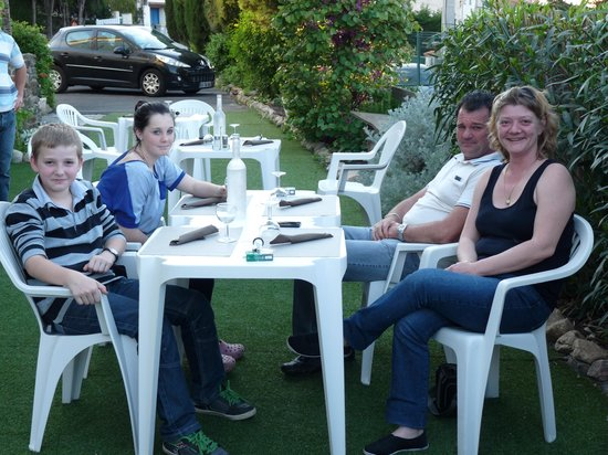 Hotel Saint Jacques : en terrasse ....