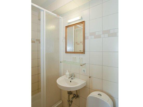 Torg Guesthouse: Bathroom