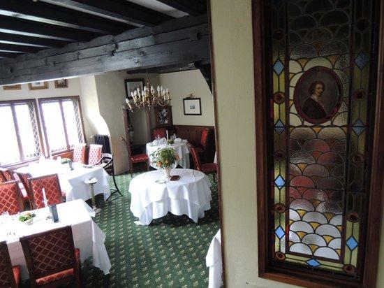 Auf Schönburg Burghotel und Restaurant: 夕食のレストランです。