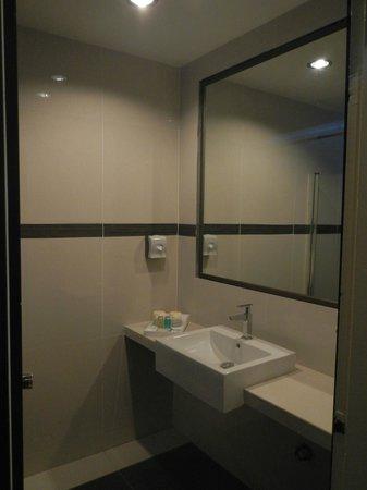 Langkawi Seaview Hotel: Bathroom