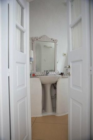 VIP Suites: Bathroom