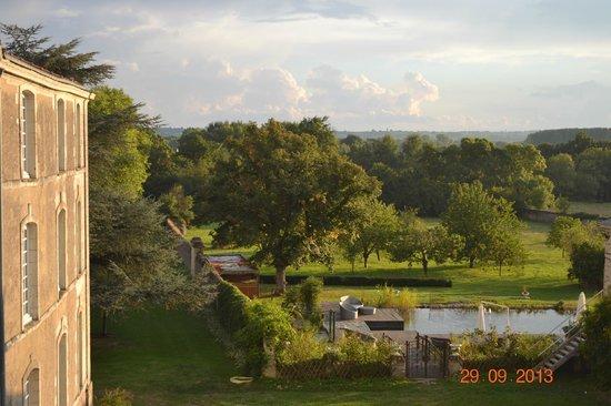 Château de l'Epinay : Vue sur la piscine