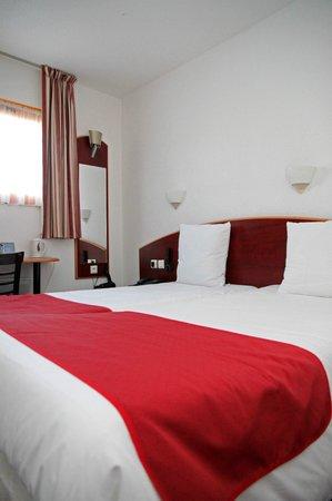 Comfort Hotel Grenoble Saint Egreve : room
