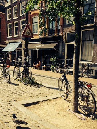 Photo of Cafe Caffe il Momento at Singel 180, Amsterdam 1015 AJ, Netherlands