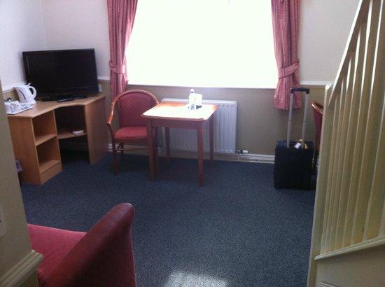 Moreton Park Hotel: Wohnbereich Zimmer