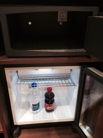"Holiday Inn Mulhouse : ""great"" Mini-Bar selection"