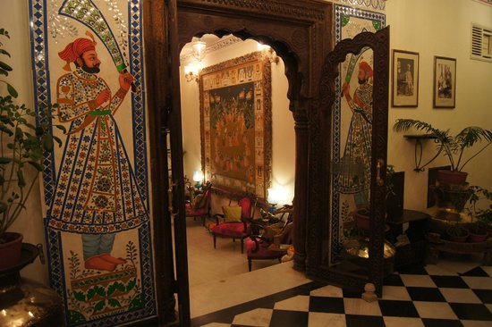 Hotel Udai Kothi: Entrée