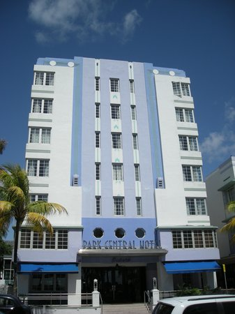 MDPL Art Deco Welcome Center: one of the colorful Art Deco hotels on the tour